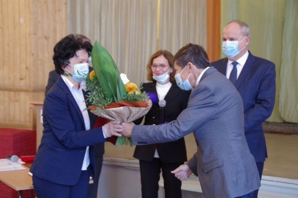 wręczenie nagrody Dyrektor Mańczak Ministra Edukacji Narodowej